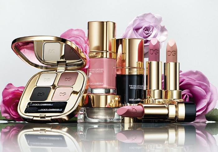 Dolce&Gabbana посвятили коллекцию косметики розе