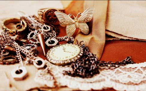 Мужские часы превращаются в стильные украшения