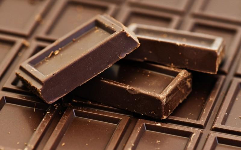 eda-shokolad-chocolate-fon