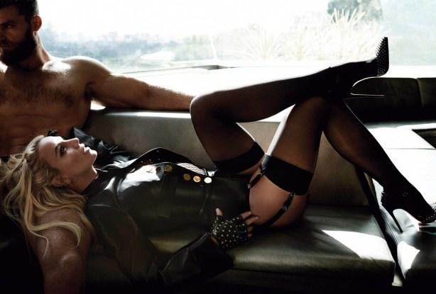 Бритни Спирс снялась в страстной фотосессии