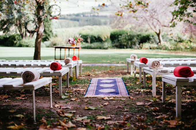 DNA-Photography_Anja-Joshua_bohemian-wedding-aisle-rug-680x452