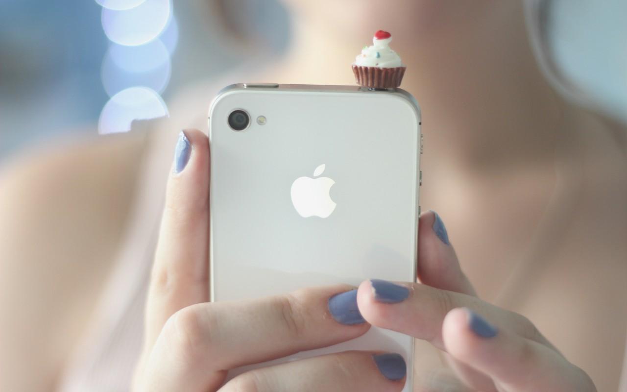 Что расскажет о девушке ее смартфон?