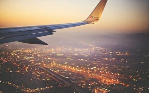 Аэропорт, самолет, девушка