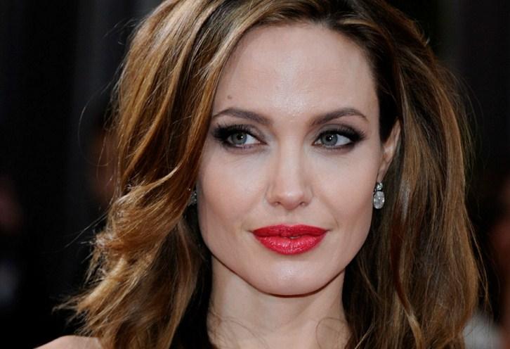 Красота требует жертв: Анджелина Джоли весит 35 кг
