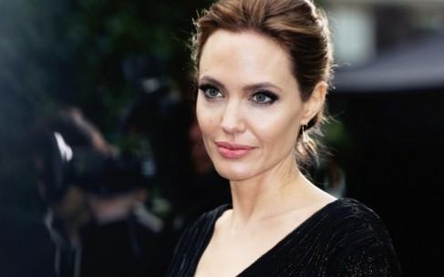 Анджелина Джоли уверена, что у Брэда Питта есть внебрачные дети