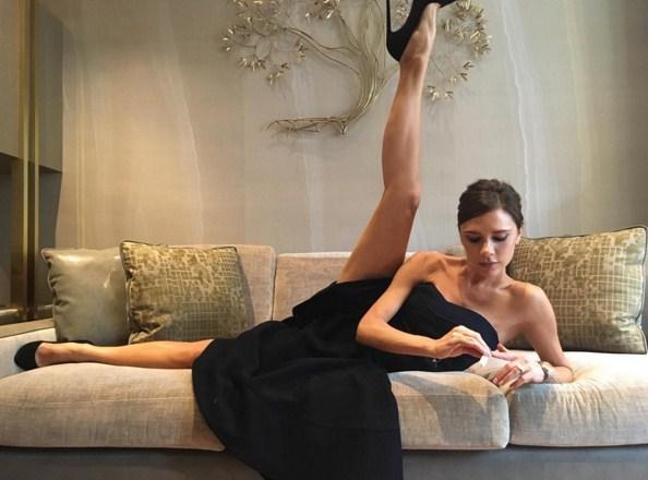 Виктория Бекхэм хвастается идеальной растяжкой
