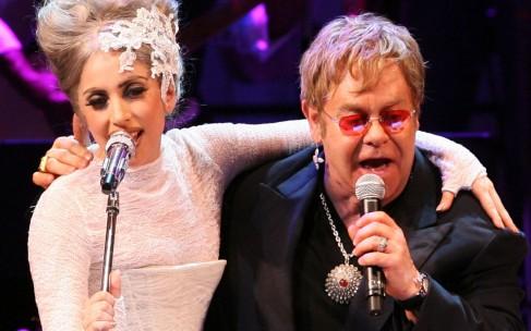 Lady Gaga и Элтон Джон запустили линию одежды