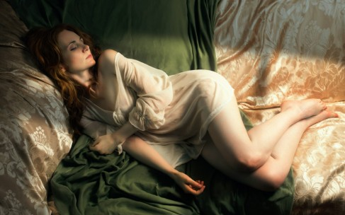 Почему женщины должны спать дольше мужчин?