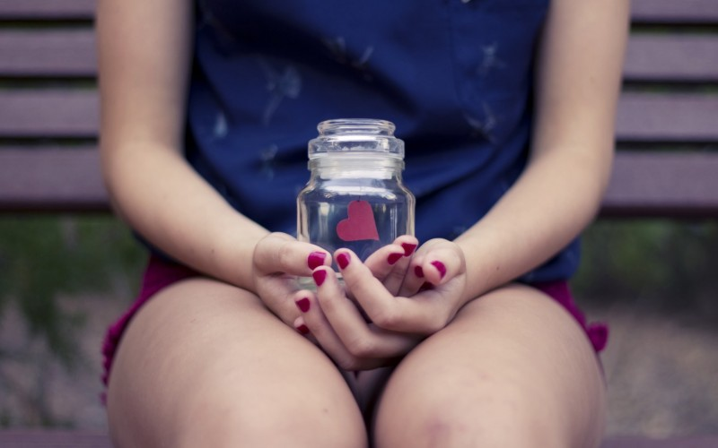 girl-bench-jar-red-heart-love-mood-hd-wallpaper