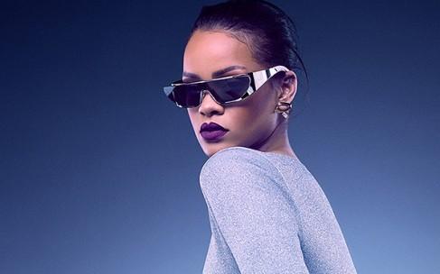 Рианна выпустила коллекцию очков Dior