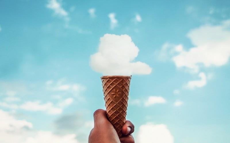 rozhok-morozhenoe-oblako