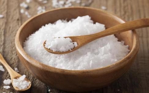 Рецепты красоты: тоник с морской солью для проблемной кожи