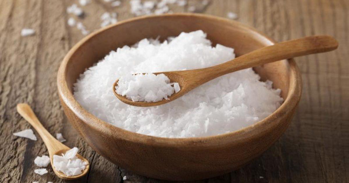 Рецепты красоты: тоник на основе морской соли для проблемной кожи