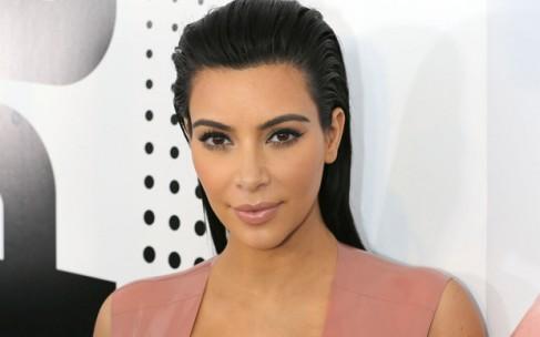 Ким Кардашьян угрожает Тейлор Свифт