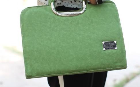 Модные аксессуары 2016: зеленая сумка