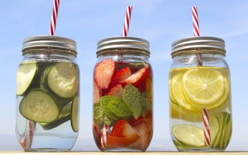 Детокс-вода: полный гид по напиткам для похудения