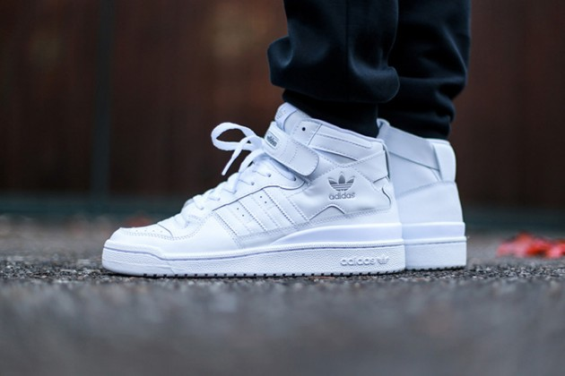 adidas-originals-forum-mid-triple-white-1-630x420