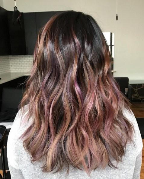 Шоколадно-фиолетовый цвет волос фото