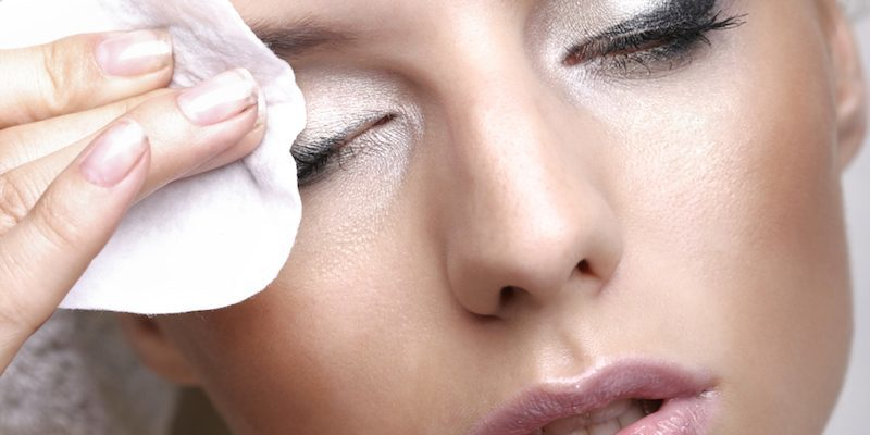 elite-daily-makeup-removal--800x400 (1)