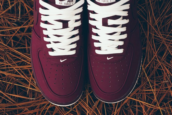 novi-nike-model-night-maroon (2)