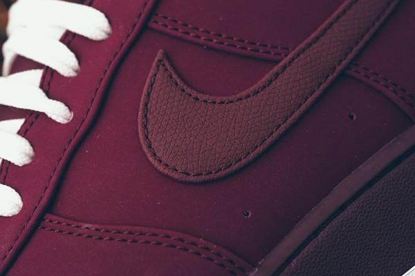 ed5e685c Если вы любите спортивный стиль и хотите оживить свой зимний гардероб  обувью модного цвета, то Nike Air Force 1 станет для вас правильным выбором.