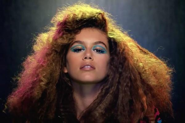Cerka-sindi-kraford-u-novoj-kampanji-marc-jacobs-beauty (2)