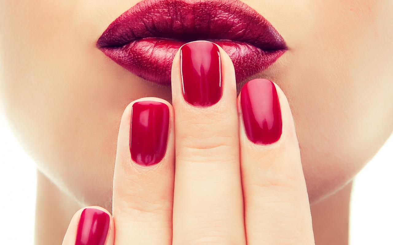 Пухлые губы без инъекций