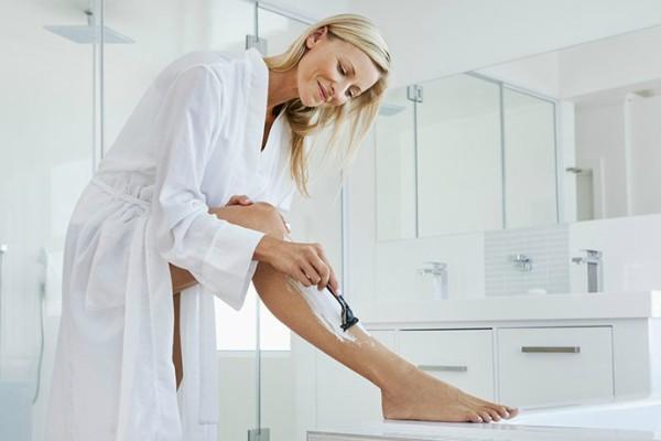 pravilno-brijanje-nogu-tokom-zime (6)