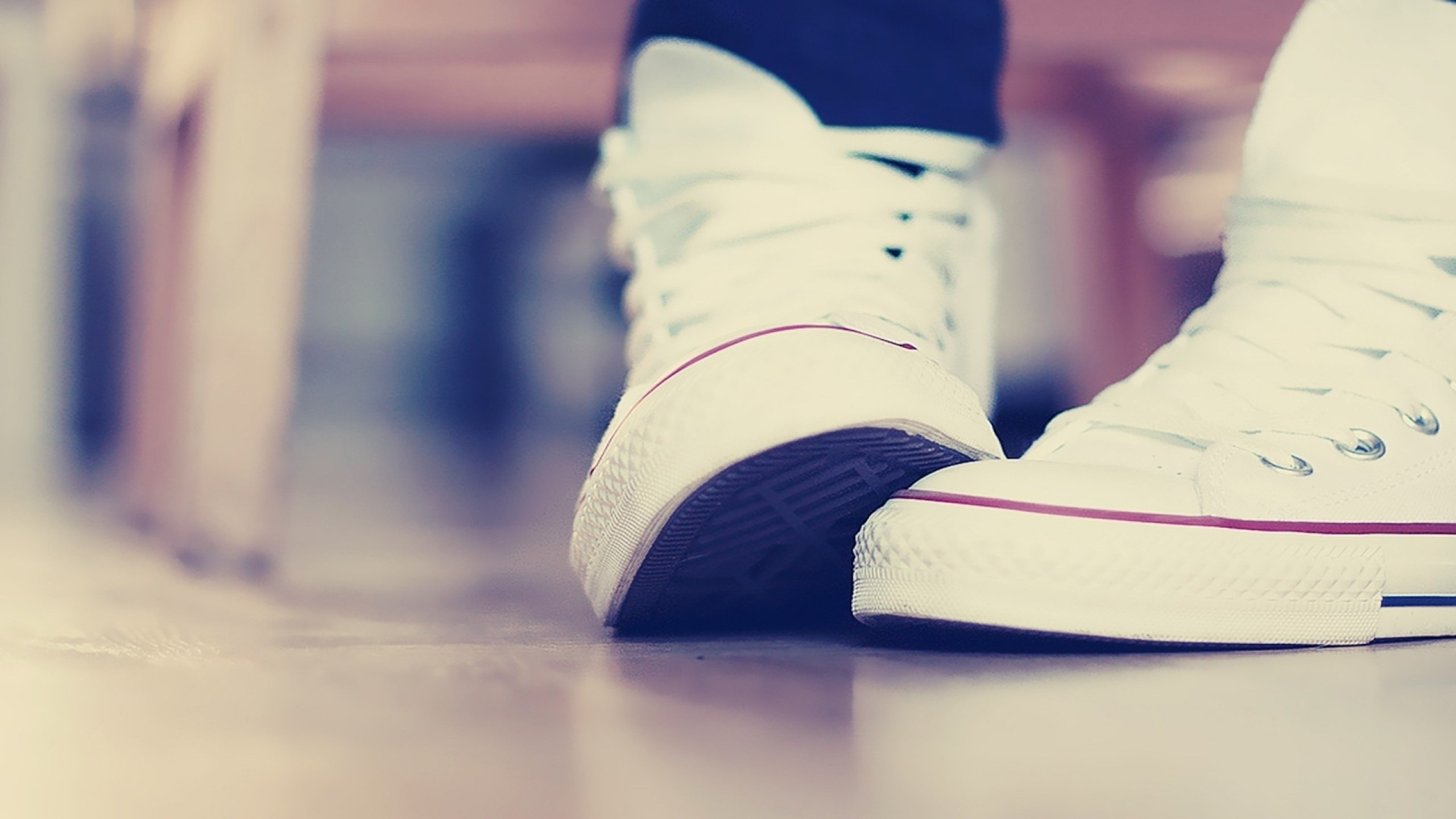 sneakers-background-42369-43372-hd-wallpapers