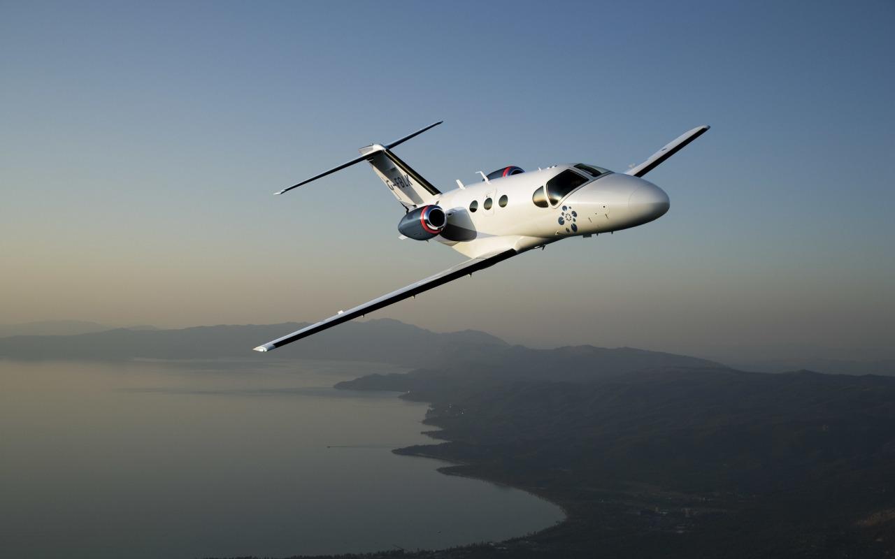 samolet-polet-aviaciya