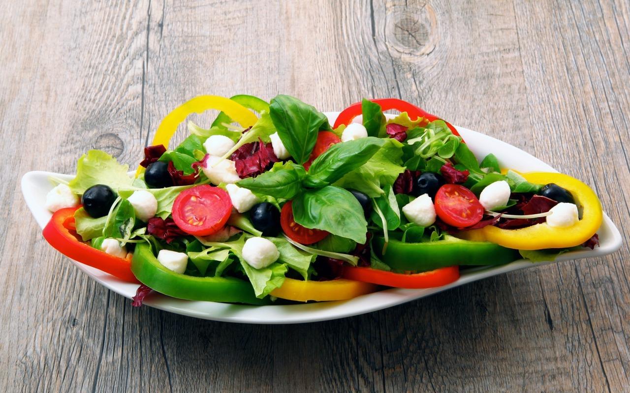 salat-perec-masliny-syr