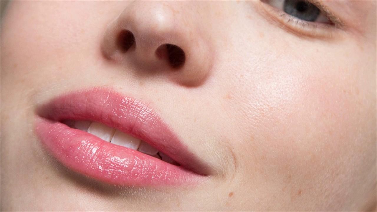 Сверкающие бальзамы для губ