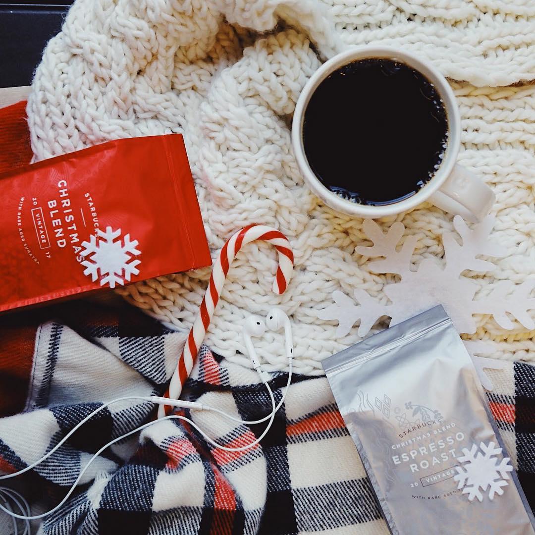 Новогодние подарки Starbucks