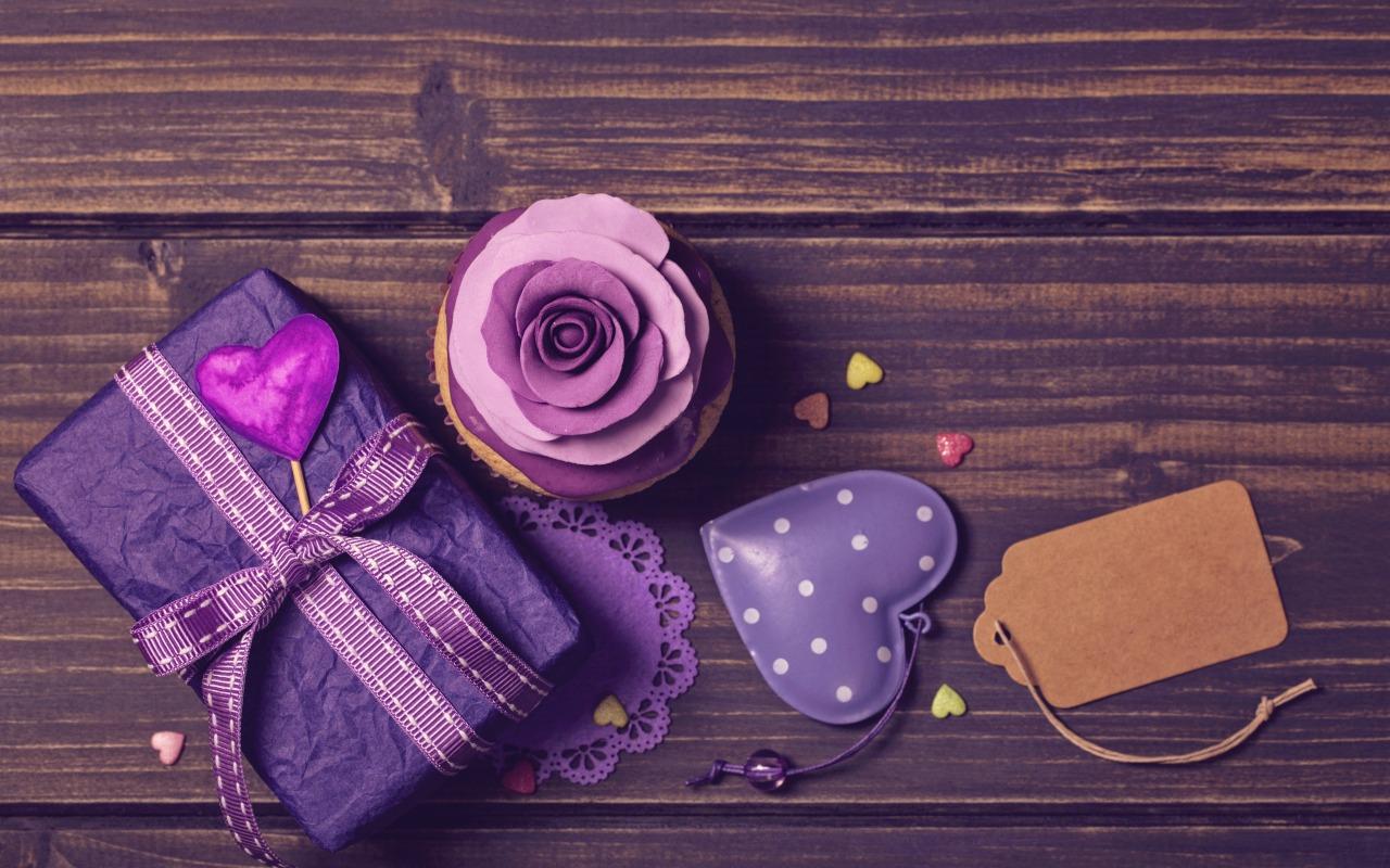 podarok-lenta-dekor-keks-ukrashenie-roza-serdechki-birthday