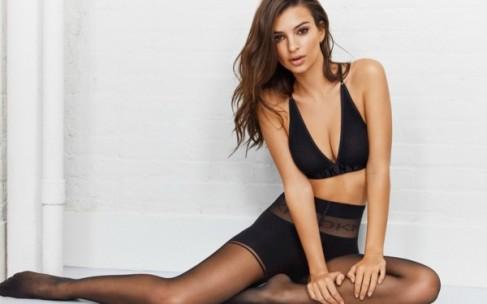 Эмили Ратажковски в нижнем белье: DKNY