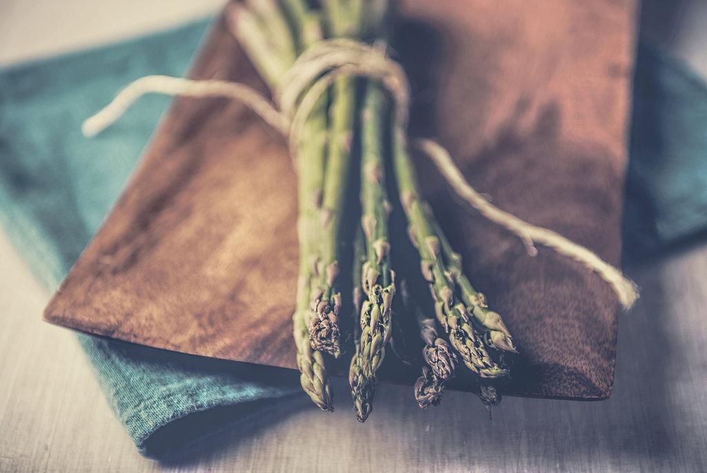 asparagus_by_ahali-d7j3yp4