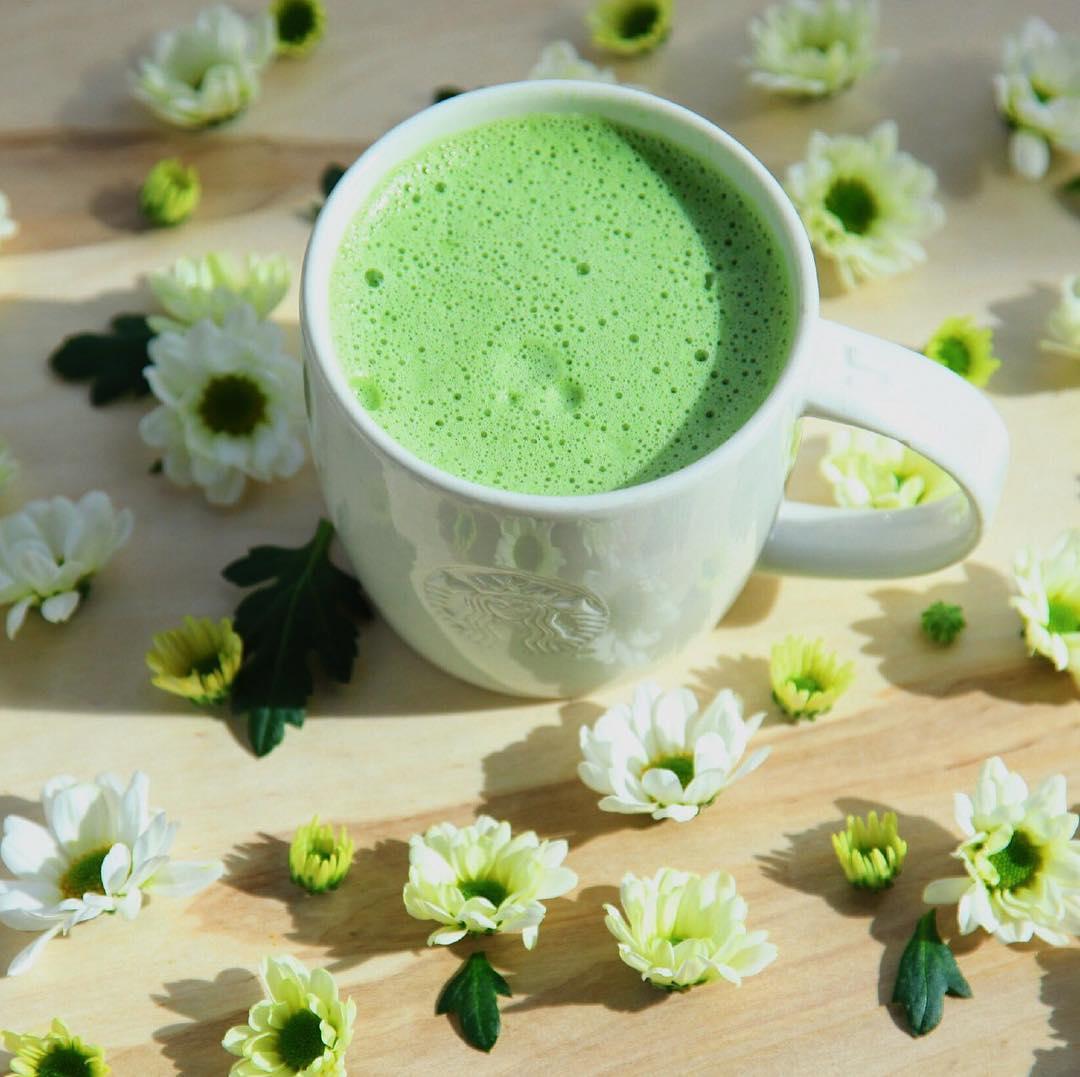 Травяной чай в кофейне