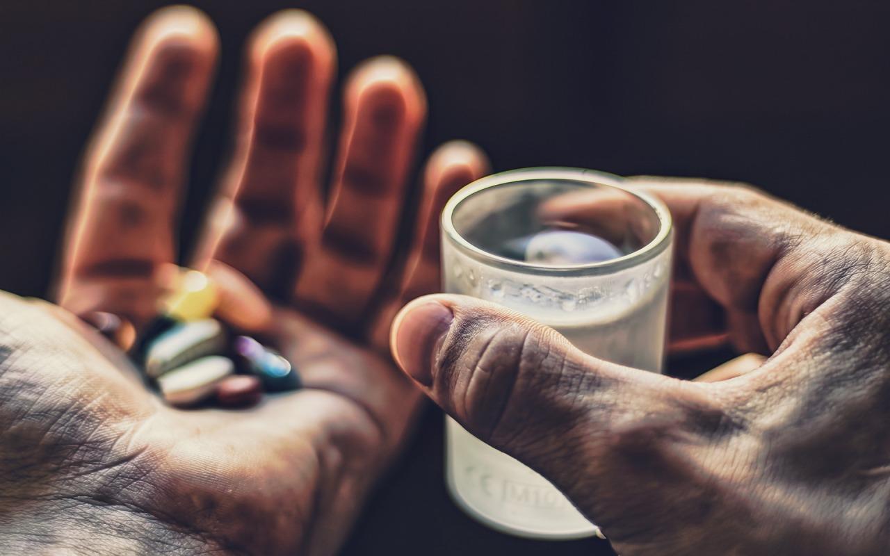 ruki-stakan-tabletki