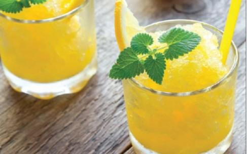 Сорбет из лайма и манго