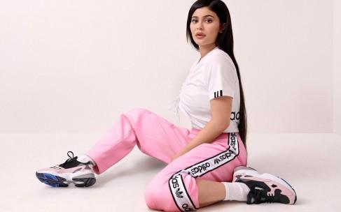 Кайли Дженнер и Adidas