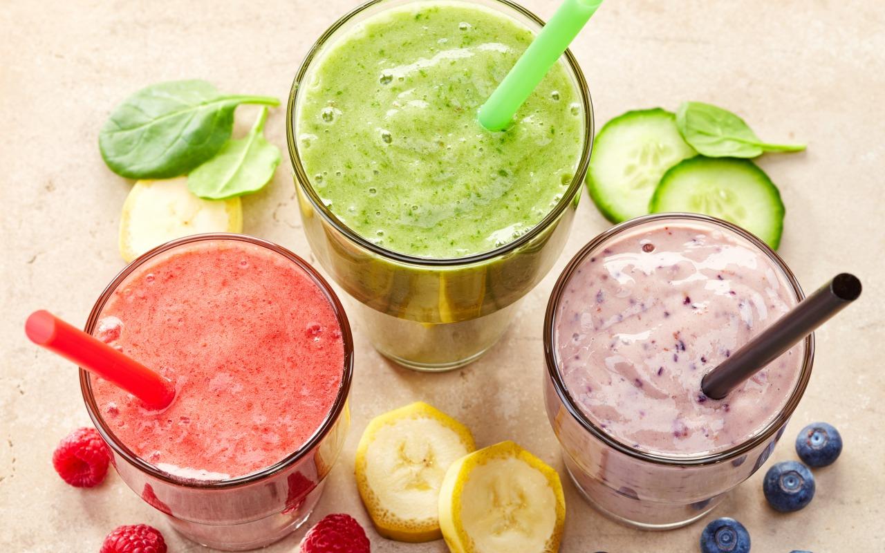 smoothie-fruit-berries-fresh-7050