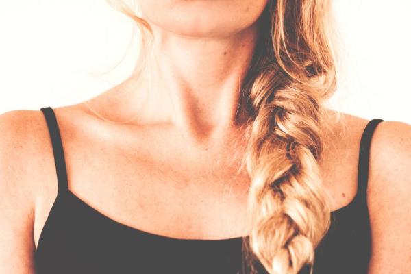 6-stvari-koje-frizeri-nikad-ne-bi-uradili-svojoj-kosi- (1)