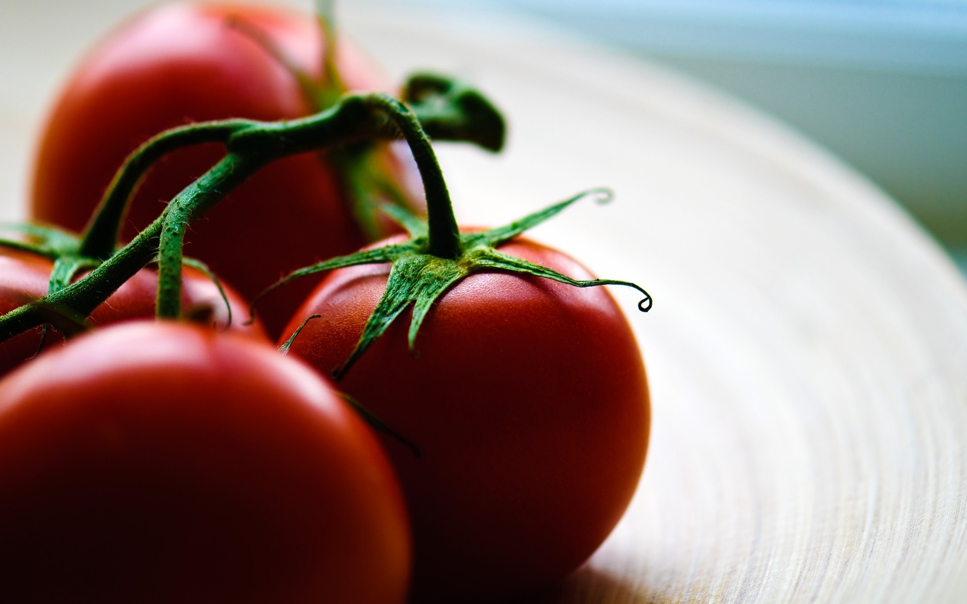 tomatoes-wallpaper-hd-44462-45588-hd-wallpapers