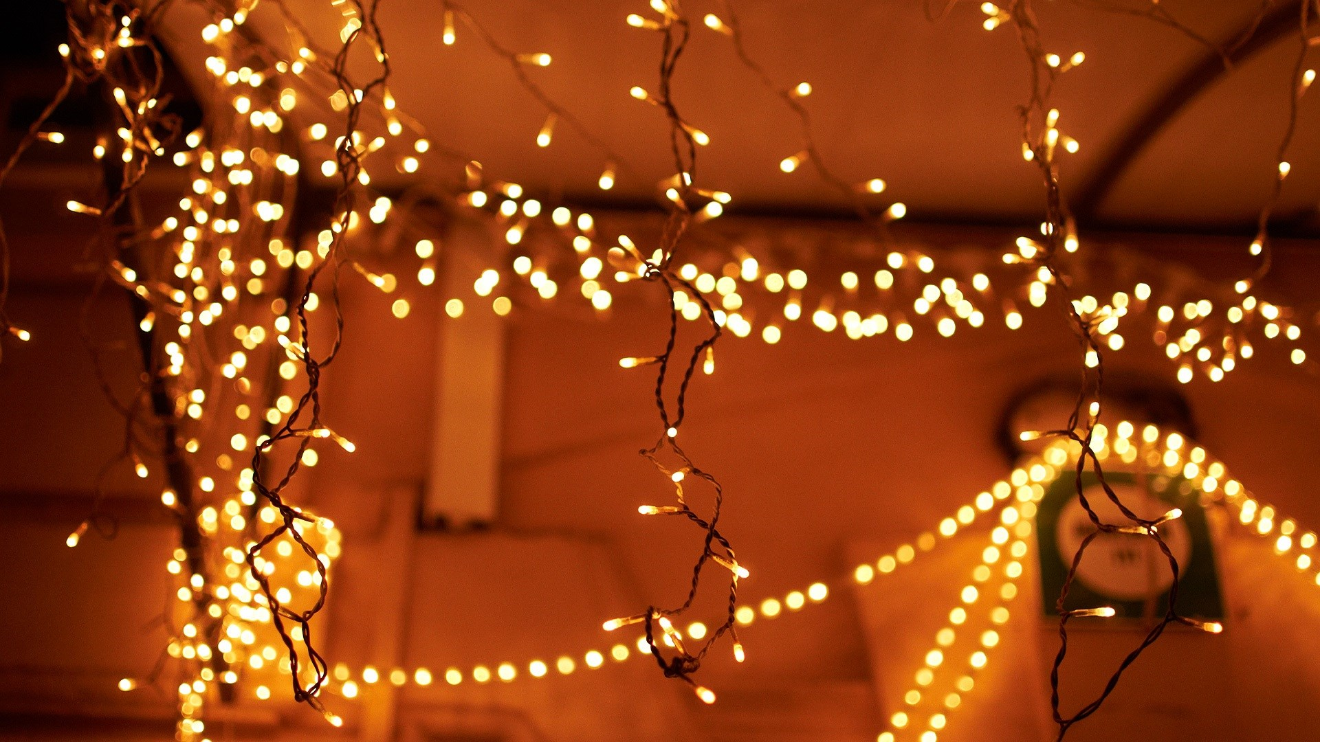Новогоднее настроение для тех, кто не верит в Деда Мороза