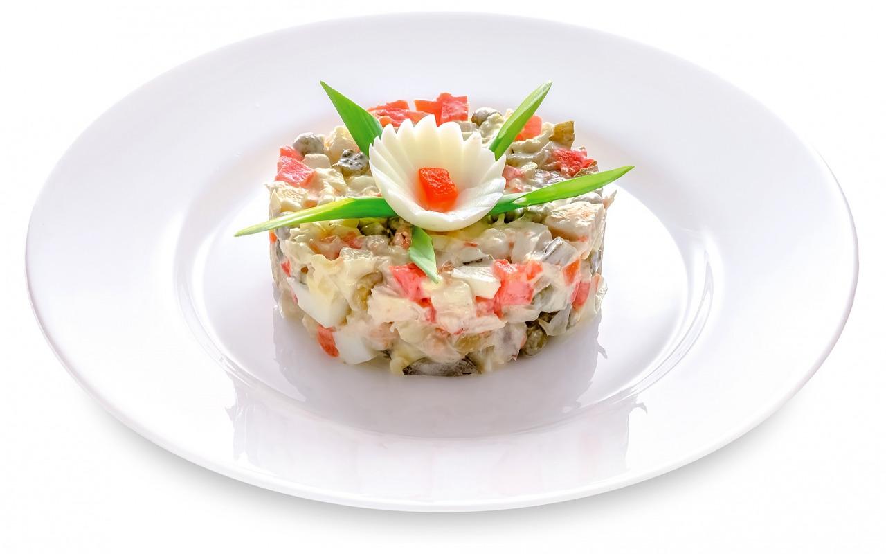 salat-olive-ovoshchi-dekor