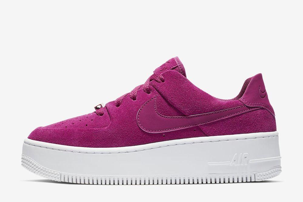 Ягодный десерт: Nike