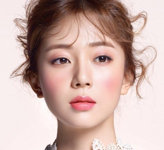 Baek-Jin-Hee's-Marie-Claire-Korea