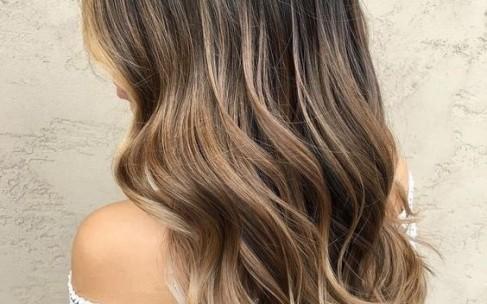 Самый трендовый цвет волос 2019 года: Dirty brunette