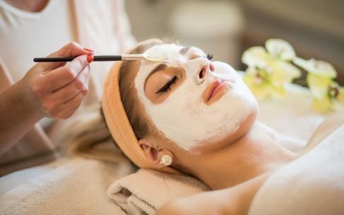 Как использовать альгинатную маску дома?