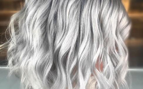 Ледяной блондин — цвет волос, который выбирают все модницы
